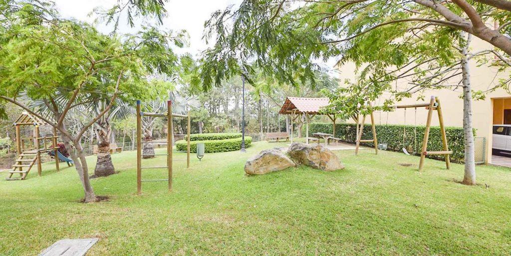 Playground infantil en Condominio Los Diamantes
